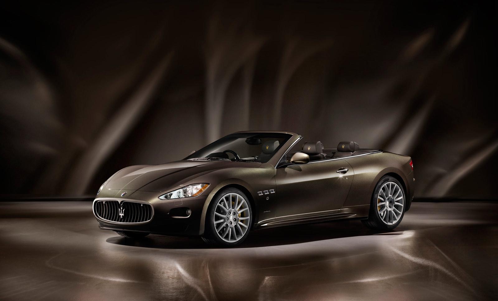 Uitdeuken Maserati